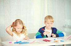 «Папа у Васи силен в математике». Как помочь ребенку делать уроки самостоятельно