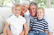 Жить с бабушкой и дедушкой